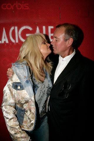 Bonnie Tyler & Robert Sullivan #bonnietyler #gaynorsullivan #gaynorhopkins #robertsullivan #thequeenbonnietyler #therockingqueen #rockingqueen #bonnietylerfrance #lacigale #2005 #love
