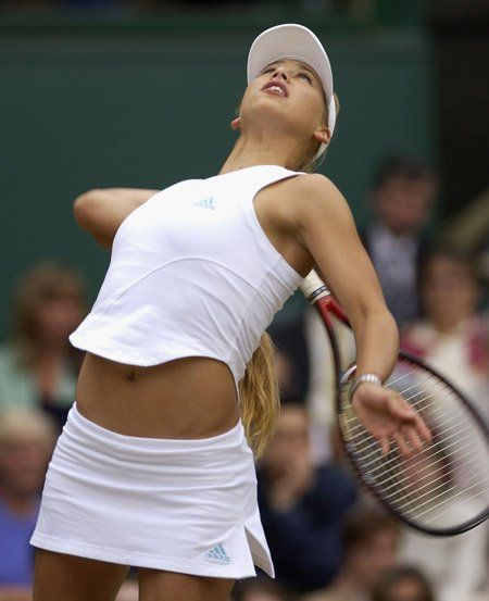 Anna Kournikova Wimbledon  Looks like #RogerFederer in motion.