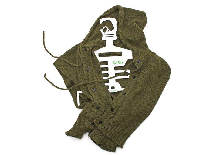 dede: skeletons in the closet hanger