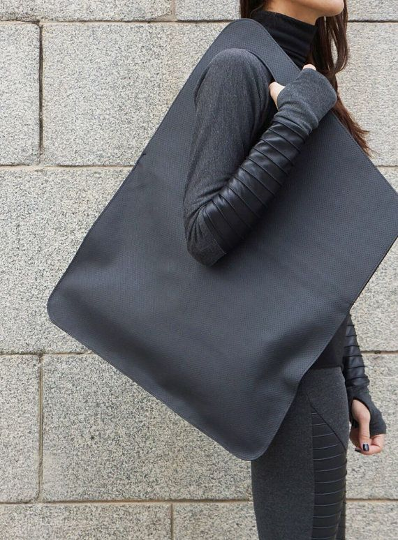 ♥ It is easy to be your FAVOURITE ♥ It is easy to ENJOY ♥ It your MUST HAVE So be Unique and DARE to WEAR This High Quality Black Perfo Leather Tote Bag will be your Love of first sight for this season. LIMITED EDITION Exclusive Perfo Leather You can combine with everything and most important wear everything as it is Large and welcome all your must have everydayss ... Fabric Genuine High Quality Leather Size Highest part 31 ( 79 cm ) Widest part 28 ( 71 cm ) - diagonals If you have ...