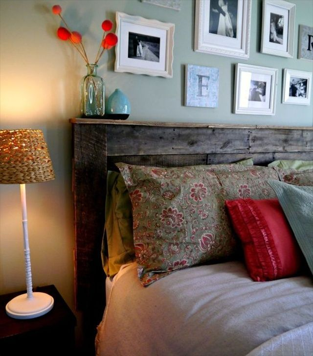 Inexpensive Pallet Headboards for Your Bed. I also like the pictures on the wall. Pictures around Michigan would be great. @Lori Bearden Malfroid we could use some of the nice shots you took around mt. bliss and mackinac island