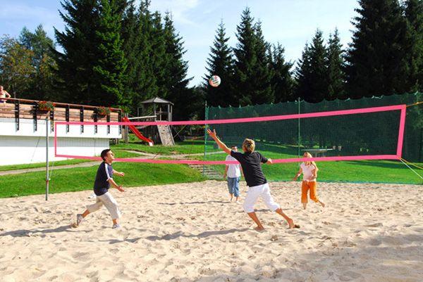 Volleyball spielen   Freizeitbeschäftigung Outdoor