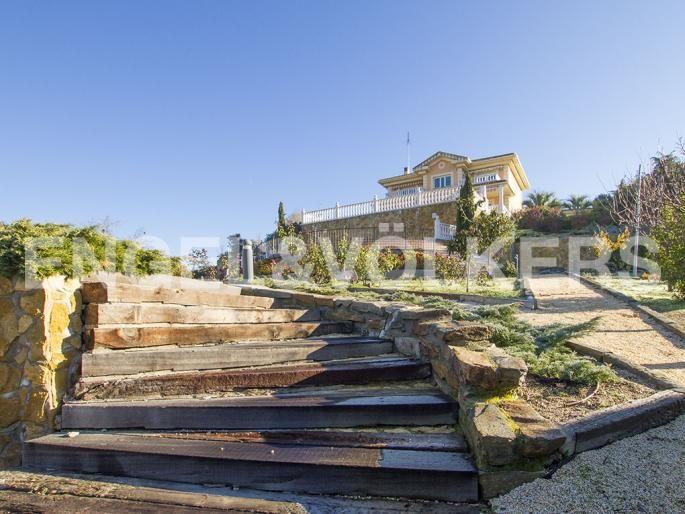 Exclusivo Unifamiliar con Vistas Espectaculares Informe de Engel & Völkers | W-021GEM - ( España, Madrid alrededores, Las Rozas, Club de Golf )