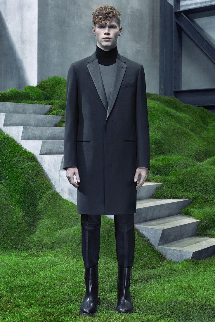Balenciaga - Fall 2015 Menswear - Look 31 of 31