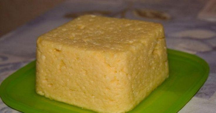 Твердыйсыр в домашних условияхприготовить очень просто. Вам не понадобятся ни сычужный фермент, ни уксусная эссенция или лимонный сок. Дело в том, что творог, который используют при приготовлении сыра, уже сам по себе кисломолочный продукт и ничего не нужно добавлять в молоко для закваски Можно использовать дажеобезжиренный творог, консистенция сыра останется плотной, и при нагревании он […]