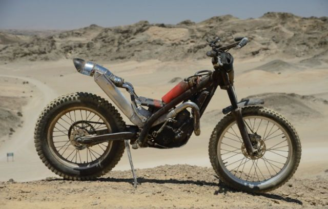 "Custom Motorcycle from ""MAD MAX : FURY ROAD"" GASGAS Trial 300 #motorcycle #Post_Apocalyptic"