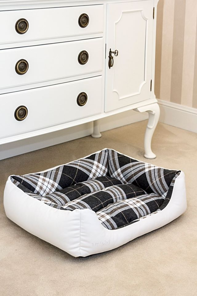 amiplay Kent white bed.