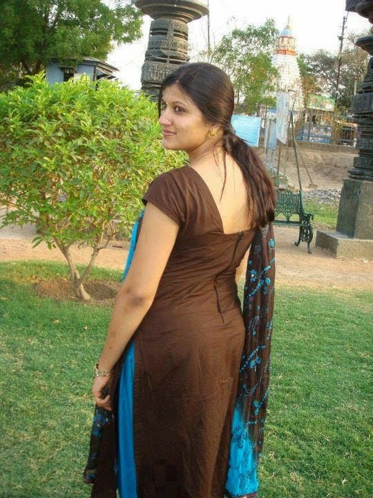 Desi Bomb Shell Aunties Hd Photos Free Download -3237