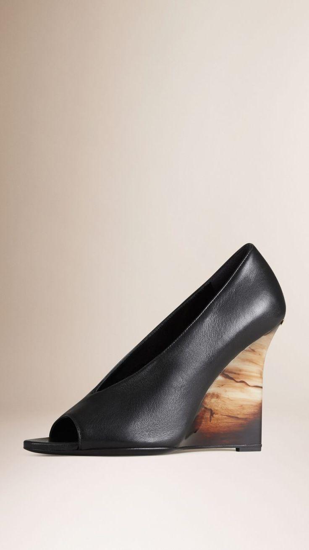 Chaussures compensées en cuir à bout ouvert