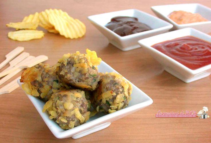Polpette con patatine ricetta finger food per antipasto o aperitivo, o secondo piatto veloce, ricetta per bambini, senza lattosio con patatine rustiche