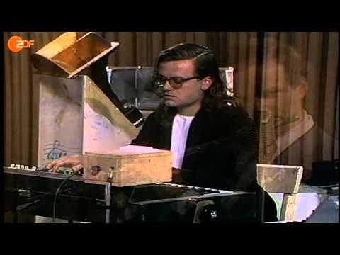 "#80er,Alternative,Electronic #Music (Media Genre),#Hard #Rock,#kraftwerk,#Kraftwerk (Musical Group),#Music (TV Genre),#Rock Musik,#Saarland,Synthesizer (Musical Instrument) #Kraftwerk mit ""Tanzmusik"" 1973 im ZDF-aspekte-Studio - http://sound.saar.city/?p=41014"