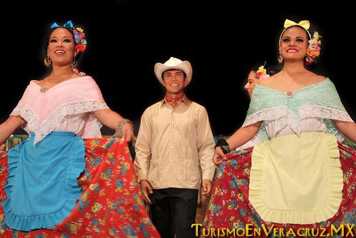 Los Trajes de veracruz de | El Ágora de la Ciudad junto con el Ballet Folclórico de la ...