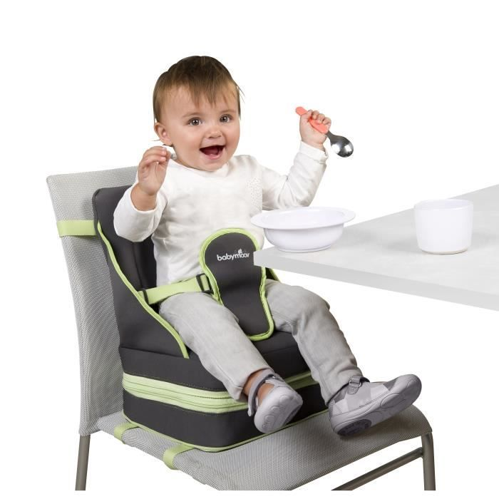 Ultra compact! It's very easy to fold and carry and only 7cm thick (folded). Adaptable! the seat can be set to adjust to the child's size thanks to the ergonomic button. The separate control for the feet means it can fit any kind of chair. And its is safe with its fitted 3-point harness, three protective straps, 4 non-slip feet for high stability. #Babymoov #Upandgo #boosterseat #Camelotkids