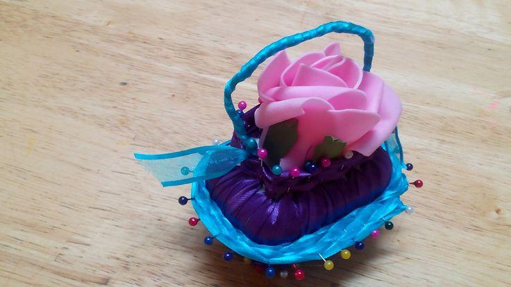 Handmade Decoration - DIY Ribbon and Soap Flower Basket - Tutorial .