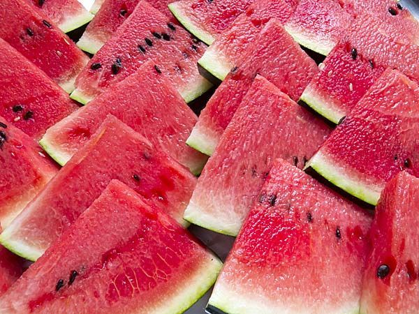 Reduce Water Retention 12 Foods To Reduce Body Heat Boldsky Here Are Few Healthy Foods That Can Reduce Body Heat