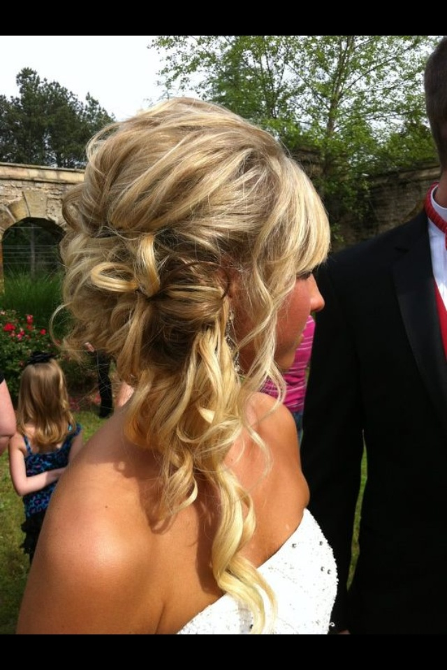 Prom hair! Hope something like this would stay in!