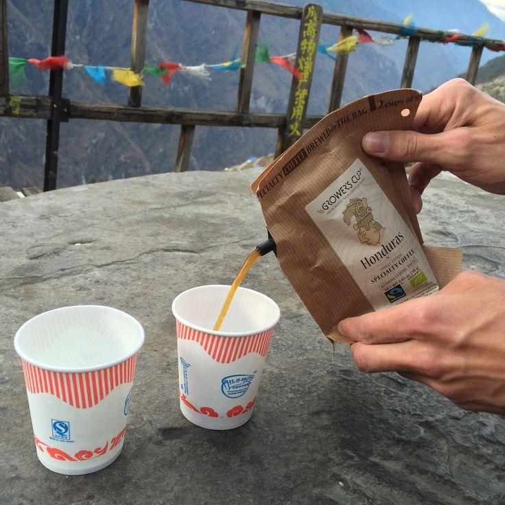 Hooray, geen oploskoffie meer op reis, maar altijd overheerlijke filterkoffie onderweg. En het enige dat je nodig hebt is kokend water!