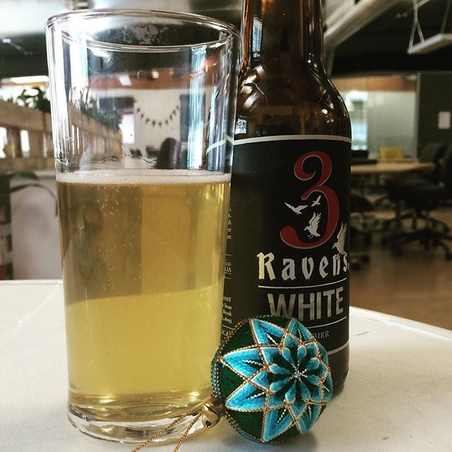 We're dreaming of a #whitechristmas the only way we know how with a @3ravensbrewery #craftbeer We're taking a well deserved break and looking forward to a busy #coworking 2016.  Thank you to all our members and partners for a fantastic year.  Merry Christmas or Happy Friday  #co_brew #coworkingspace #3ravensbrewery #thornbury #madeindarebin
