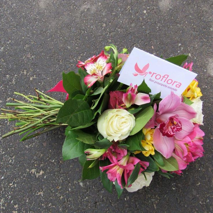 Did anyone lost a #bouquet ? Don't worry, we always deliver #fresh #flowers right on time!