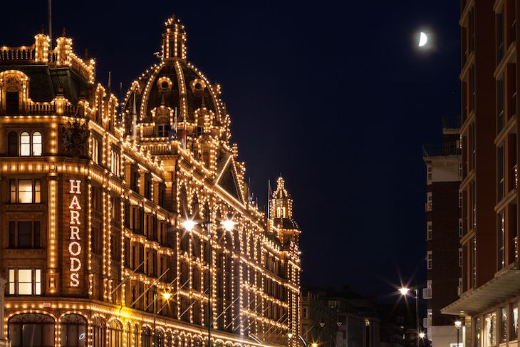 Christmas Lights At Harrods Guide To Christmas In London Events Things To Do Lights Markets Food Drink London Christmas Christmas Travel London