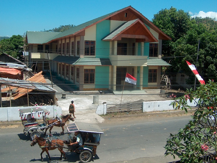 Het kindertehuis is klaar. (augustus 2006)