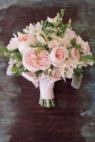 Tiñe tu boda en el color de 2016: el rosa cuarzo » Mi Boda #MiBoda #novias…