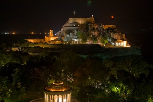 Corfu by night, with the moon  by geotsak