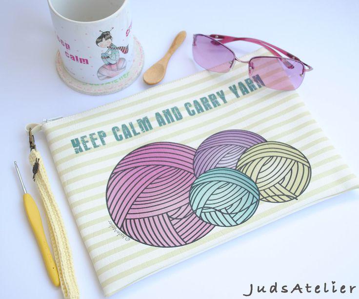 Quiero compartir lo último que he añadido a mi tienda de #etsy: Bolso de mano para ganchillo, Bolso de mano, complemetos crochet, crochet, regalo para tejedoras, regalo para ella, Keep calm and Carry yarn