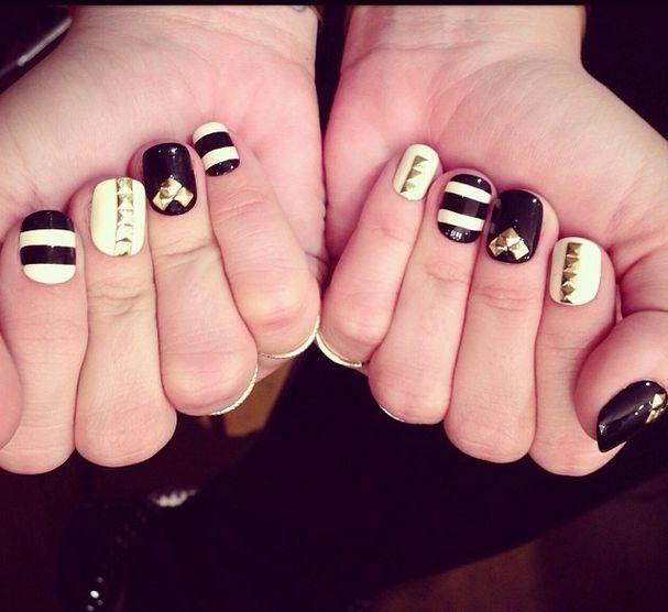 Celebrity Nail Salon: Demi Lovato: The New Black