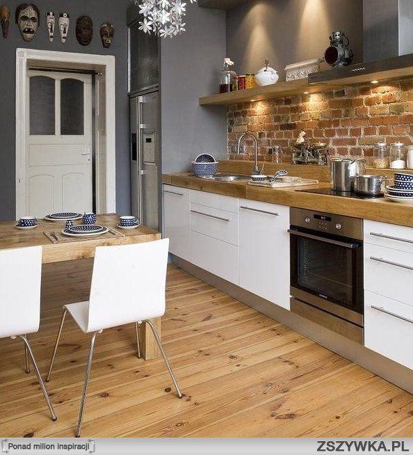 Du bois, du blanc, de l'acier.. L'essentiel à une cuisine.