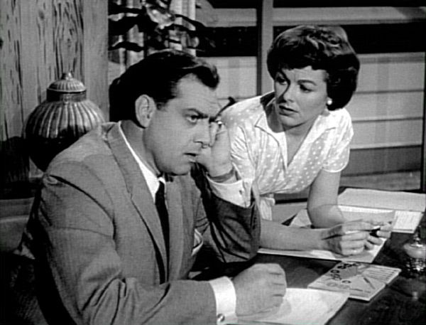 an introduction to the detective perry mason Paul drake is a fictional private detective in the perry mason series of murder mystery novels by erle stanley gardner drake is described as tall and slouching.