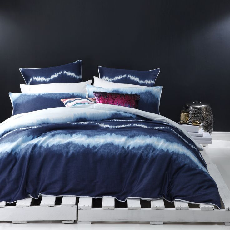 I interviewed Dimity Green, Marketing Manager with Legend Australia about her initiative to collaborate with Royal Doulton on a bedlinen range plus designing for the Australian tastes. http://www.dontcallmepenny.com.au/a-sea-of-colour-for-the-bedroom/