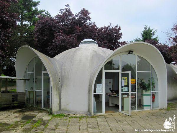 Saint-Fargeau-Ponthierry - Maisons / ateliers bulles - Balloon shells  (actuellement :  Ferme pédagogique Fermenbul.  Architecte / concepteur: Heinz Isler  Construction: 1976 - 1977