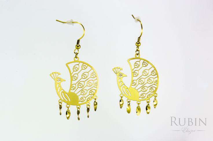 Arany színű nemesacél páva motívumos beakasztós fülbevaló  www.rubinekszer.hu