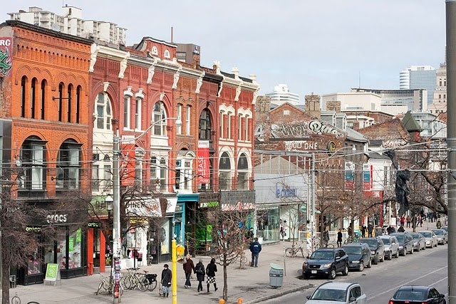 Toronto: Queen St. West and Spadina Ave. Fashion District