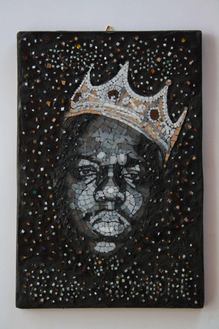 The Notorious B.I.G. Mosaic portrait, realized with spectrum glass and fotoluminescent glass. Elena Prosperi / M.us.E mosaico Un preferito personale dal mio negozio Etsy https://www.etsy.com/it/listing/471544094/the-notorious-big-the-sky-is-the-limit