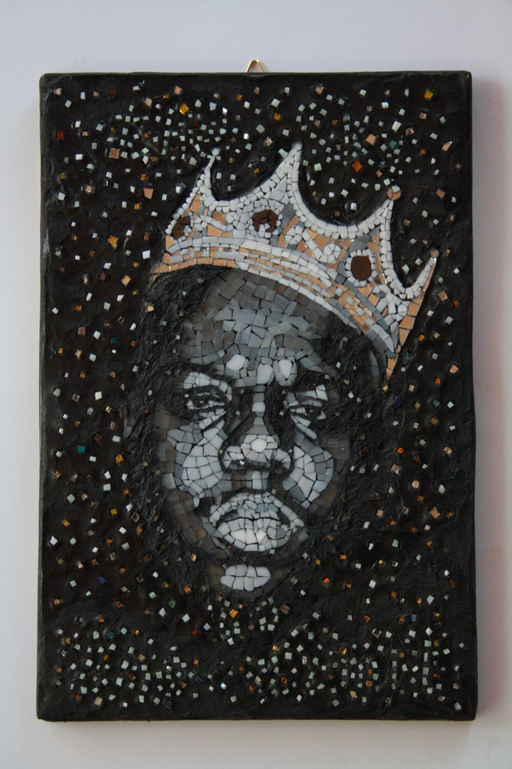 The Notorious B.I.G. Mosaic portrait, realized with spectrum glass and fotoluminescent glass. Elena Prosperi / M.us.E mosaico Un preferito personale dal mio negozio Etsy https://www.etsy.com/it/listing/471544094/the-notorious-big-the-sky-is-the-limit
