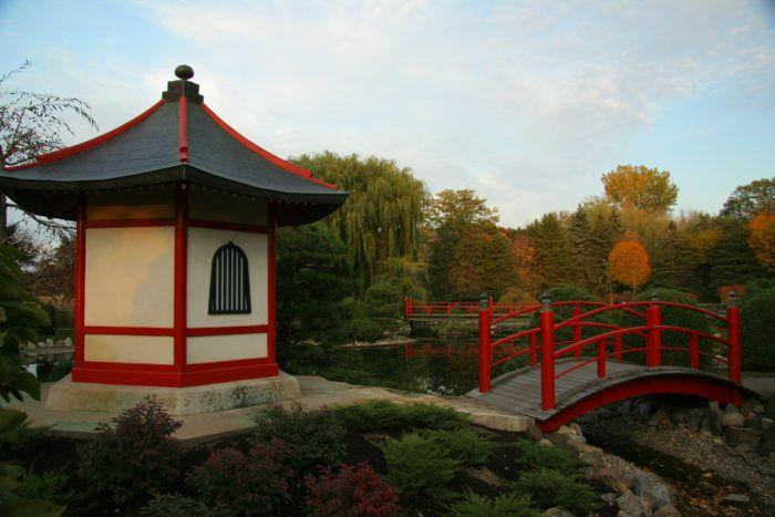 8. Normandale Japanese Garden: The Secret Garden You're Guaranteed To Love