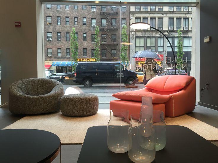 ligne roset nyc showroom pumpkin plumy lounge chairs. Black Bedroom Furniture Sets. Home Design Ideas