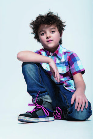 präsentiert von www.my-hair-and-me.de #boy #child #brown #hair #braune #haare #hemd #shoes #schuhe