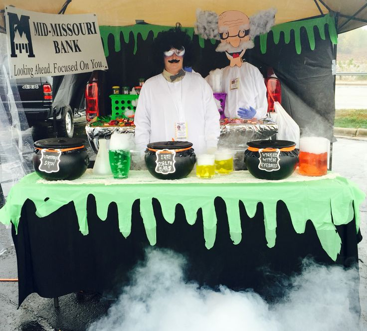 2015 Trunk or Treat. Mad Scientist.