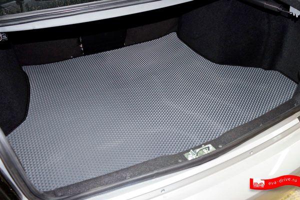 Коврики EVA-DRIVE в салоне и багажнике автомобиля могут обеспечивать дополнительную шумо- и термоизоляцию