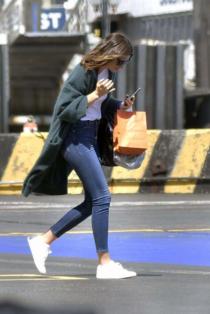 Miranda Kerr At A Heliport In New York