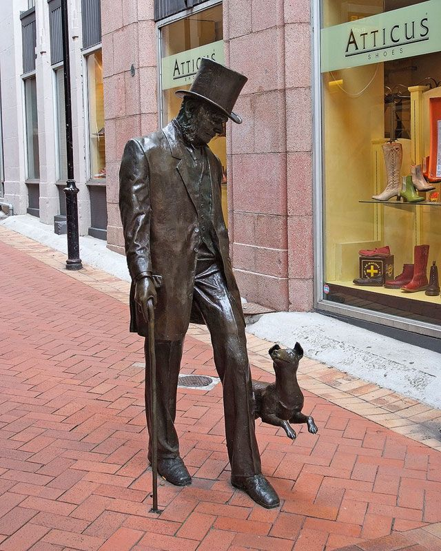 Mr Plimmer and his dog. This statue is one the most beloved of the Wellington people.