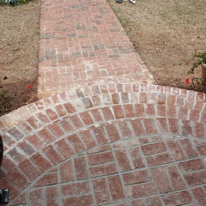 rounded brick front steps Kim..... how cute is this rounded step