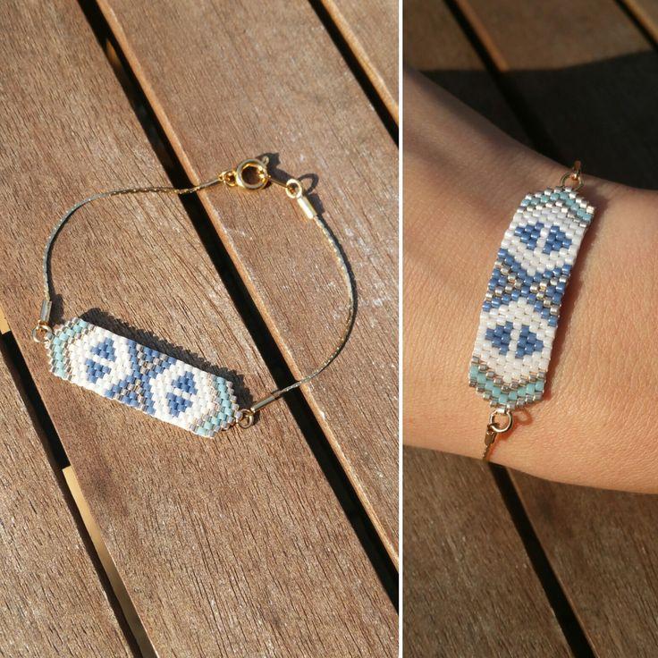 Bracelet en perles Miyuki, doré, blanc et bleu : Bracelet par laboutiquedesmidinettes