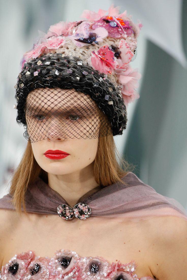 LE PÈRE NOËL EST UNE ORDURE...Chanel HC SS 2015 #ChanelHauteCouture #SpringSummer2015 Visit espritdegabrielle.com | L'héritage de Coco Chanel #espritdegabrielle