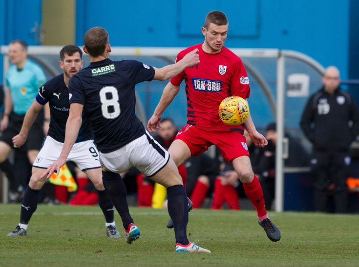 Queen's Park's Gregor Fotheringham in action during the SPFL League One game between Raith Rovers and Queen's Park.