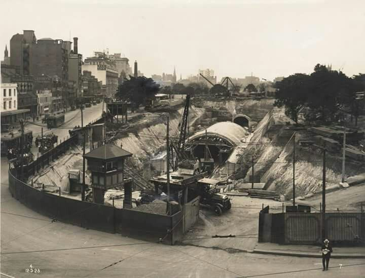 Construction of Museum Railway Station,in Sydney in 1923.Photo from Powerhouse Museum.A♥W