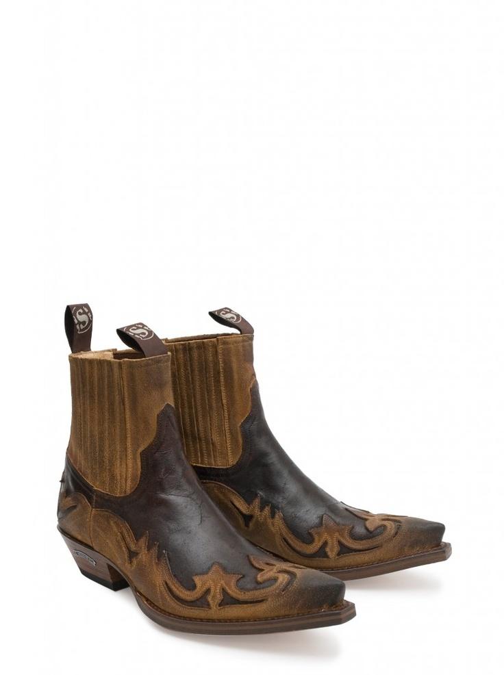 Estos botines condensan a la perfección la esencia de Sendra Boots: gran diseño, gran comodidad y lo más importante, una grandísima calidad. These ankle boots perfectly condense the essence of Sendra Boots: great design, great comfort and the most important of all, a great quality. #Boots #Botas #Woman #Cowboy #Fashion